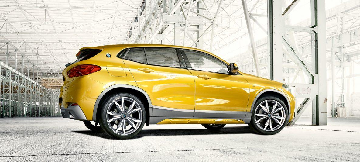 BMW X2 2018 F39 Galvanic Gold metallic Heckansicht