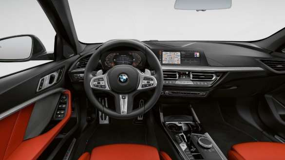 BMW M135i xDrive Interieurleisten 'Illuminated Boston'