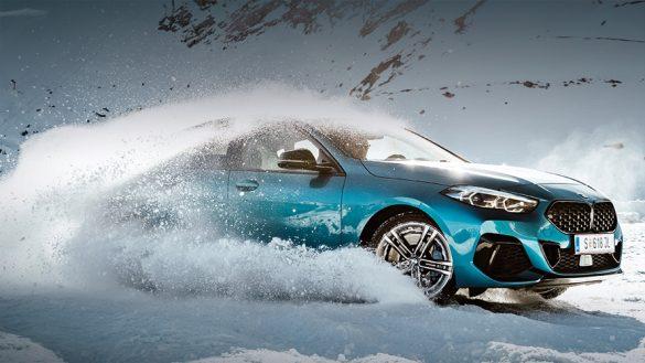 BMW 2er Gran Cpoupé in Schneelandschaft