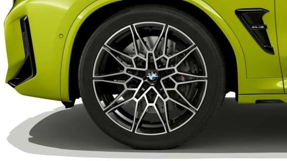BMW X4 M Competition F98 LCI Facelift 2021 Sao Paulo Gelb 21'' M Leichtmetallräder V-Speiche 765 M Nahaufnahme